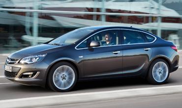 Opel Astra J Sedan Automat